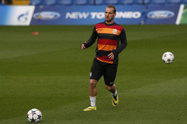 Albers ayrıca Sneijder'in kariyerine Galatasaray'da nokta koymak istediğini de açıkladı.