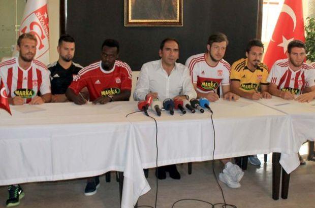 Sivasspor 7 futbolcuyla sözleşme imzaladı