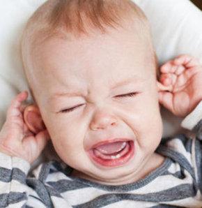 Uçakta ağlayan çocuklar için ne yapabilirsiniz?