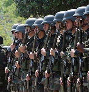 Milli Savunma Bakanlığı, silah altına alınacak yükümlülerin 10 Ağustos'taki cumhurbaşkanı seçiminde oy kullanabilmelerini sağlamak amacıyla sevk tarihlerinde değişiklik yaptı.