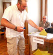 Turkey citizens start voting abroad