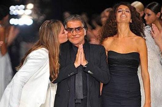 Roberto Cavalli satılıyor!