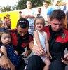 Çocuklarının gözü önünde falçatayla saldırıya uğradı!