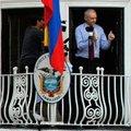 2 yıldır büyükelçilikte yaşayan Assange'tan fla...