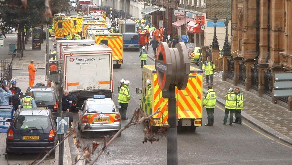 Sosyal medyada Londra metrosunda terör saldırısı olacağı söylentileri İngiltere polisini harekete geçirdi.
