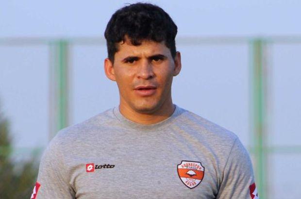 İzmir temsilcisinin halen ülkemizde Adanaspor'da oynayan Tiago'ya da borcu bulunuyor.