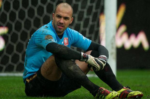 Hellas Verona takımıyla sözleşmesi feshedilen kaleci, sağlık kontrolünün ardından Mersin İdmanyurdu'nun kadrosuna katıldı