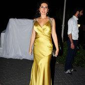Raquel Hanım'ın gece güzelliği