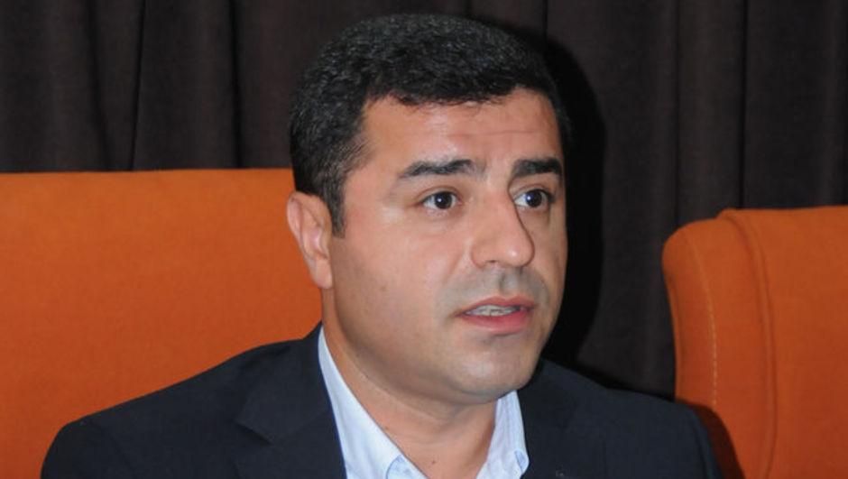HDP Eş Başkanı Selahattin Demirtaş Cumhurbaşkanı Recep Tayyip Erdoğan'ı neden alkışladığını anlattı