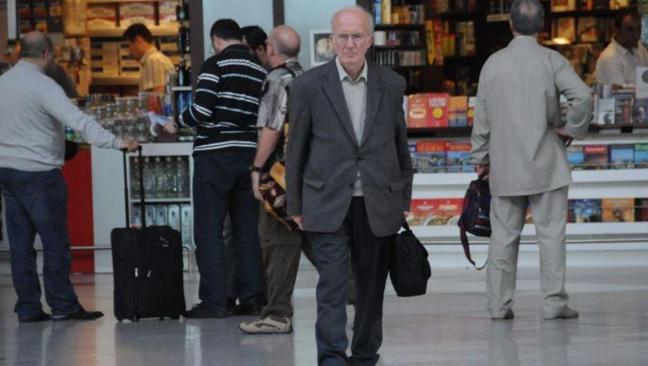 4 buçuk yıldır  Atatürk Havalimanı'nda yaşayan adam, ahmet avunca