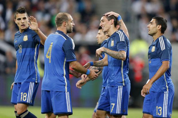 Arjantin sahaya yeni teknik direktörü Gerardo Martino ile çıktı.