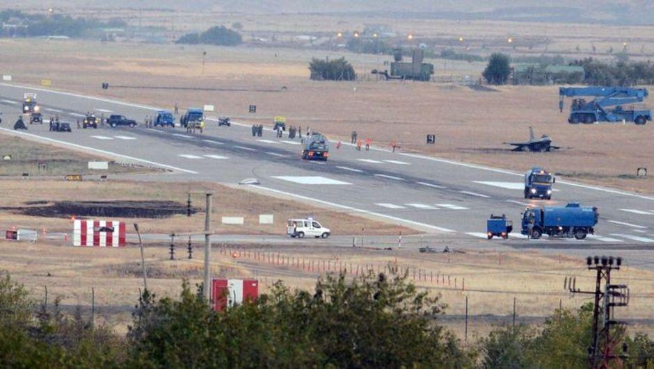 """Diyarbakır'da düşen F-16 savaş uçağından kurtulan Arpacı, """"Kazada bir saniyelik zamanla kurtuldum."""