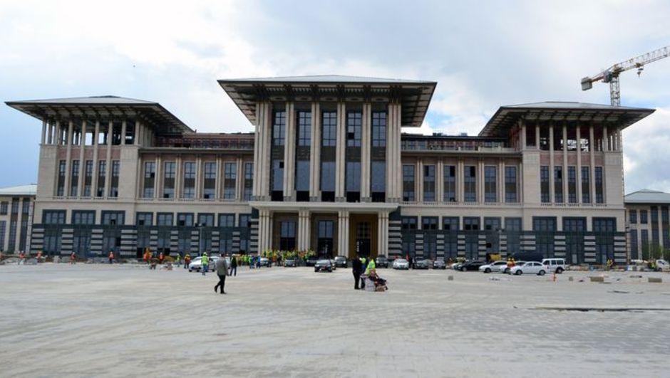 Söğütözü'nde inşa edilen yeni yerleşke şimdi Cumhurbaşkanlığı Forsu'nun asılmasını bekliyor.