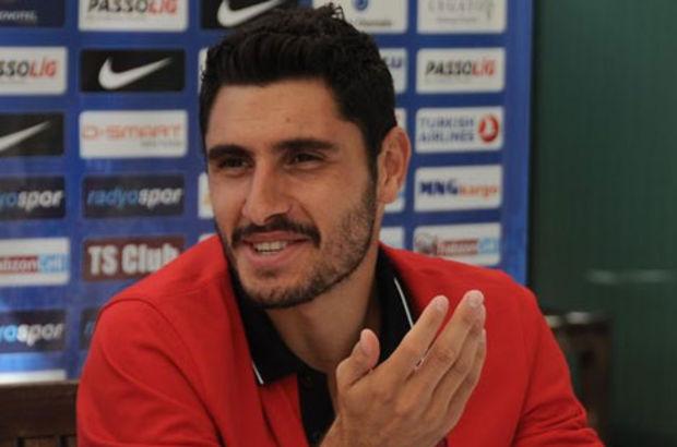 Sakatlığı nedeniyle ameliyat masasına yatan Özer Hurmacı, Trabzonspor'un 3 resmi maçında da oynamadı