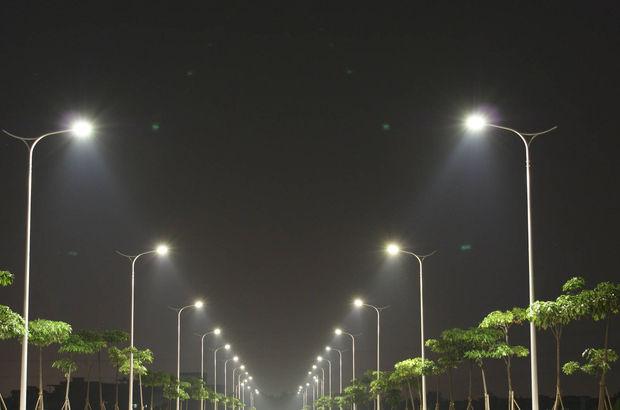 İlk 6 ayda sokak aydınlatması ile trafik sinyalizasyonu için 650 milyon lira harcandı