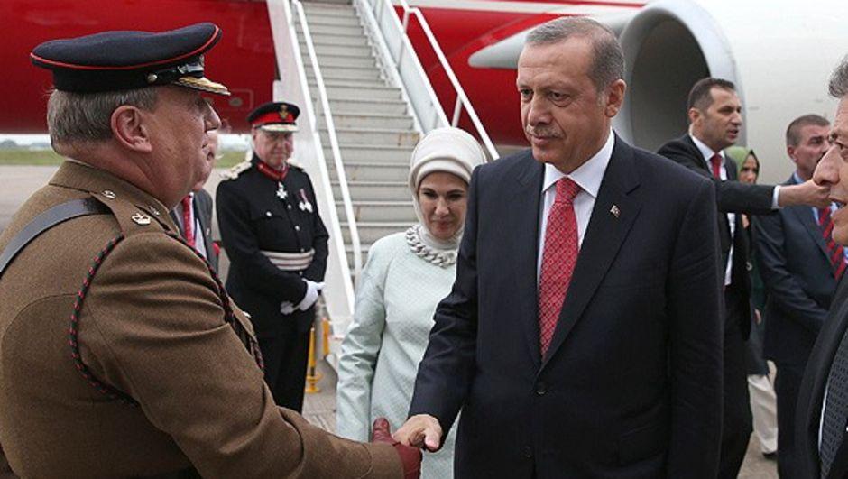 NATO Devlet ve Hükümet Başkanları Zirvesi, Cumhurbaşkanı Erdoğan'ın katımıyla bugün Birleşik Krallık'ta başlıyor.