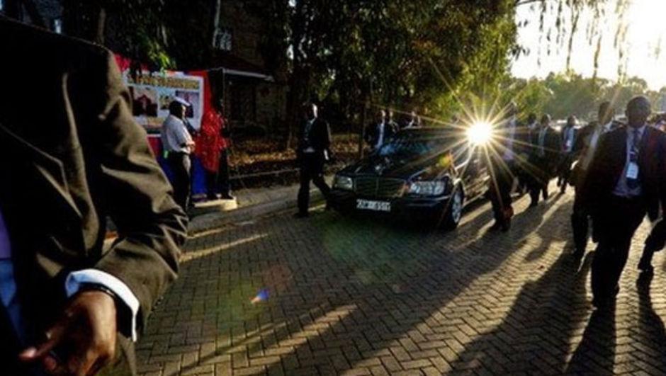 Kenya Cumhurbaşkanı Uhuru Kenyatta'nın arabası çalındı.