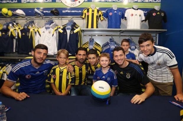 Fenerbahçe forma imza günü