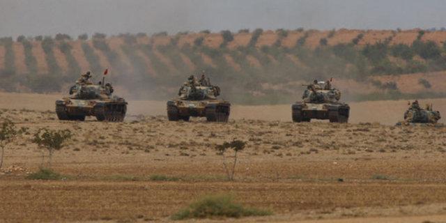 Tanklar sınıra dayandı