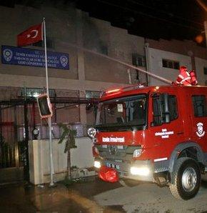 İzmir'de Geri Gönderme Merkezi'nde yangın