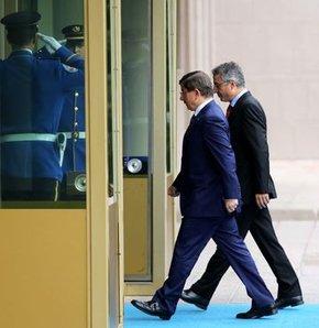 Başbakan Davutoğlu, il başkanları ile bir araya geldi