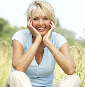Menopoz döneminde diş sağlığı tehlikede!