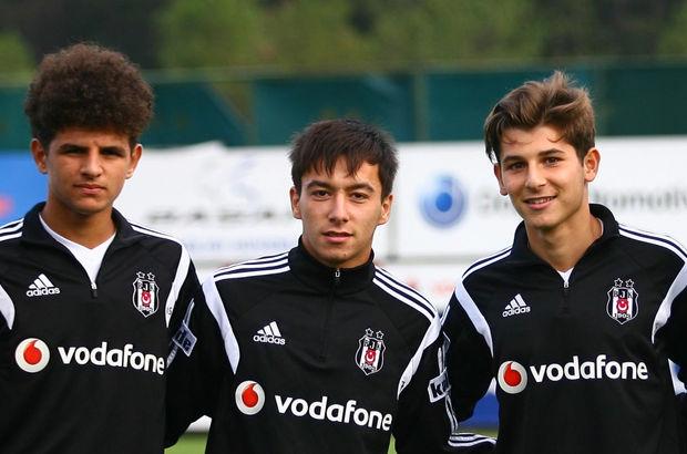 17 yaşındaki Eslem Öztürk (en solda),A takımla da antrenmanlara çıkıyor.