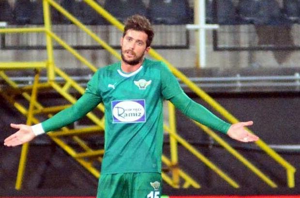 Dünya futbolunda bir maçta en fazla penaltı kaçırma rekoru Arjantinli milli futbolcu Martin Palermo'ya ait.