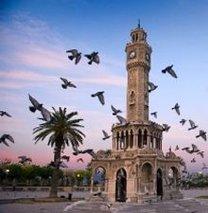 Türkiye'ninki büyüyor ,İzmir'inki küçülüyor!