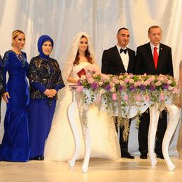 Siyaseti buluşturan düğün