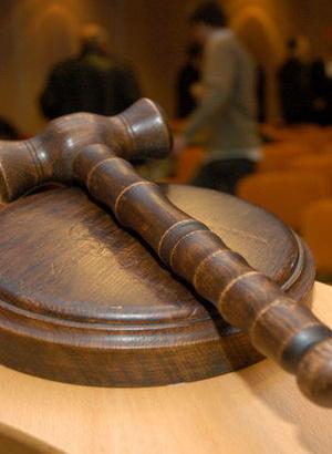 İsmet Büyükkılıç'ın noterlik yapması yasaklandı, hapis cezası aldı