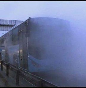 E-5'te özel halk otobüsü yandı