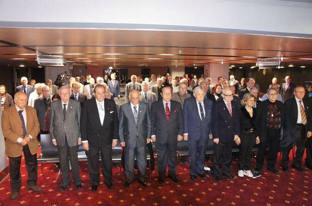 Galatasaray divan kurulu toplant s ne zaman galatasaray for Divan ne demek
