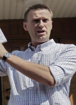 Rus muhalif Navalniy, elektronik kelepçelerini çıkardı