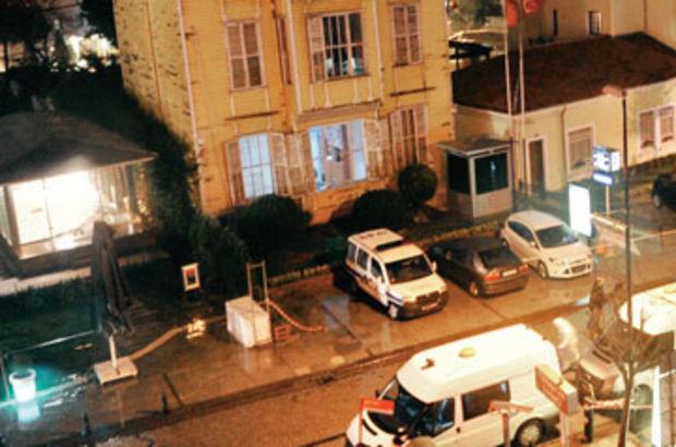 Sultanahmet'te polise canlı bomba saldırısı