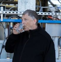 Bill Gates insan dışkısından su içti!