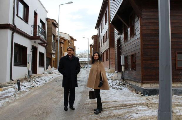 Esra BOĞAZLIYAN, Mustafa Demir