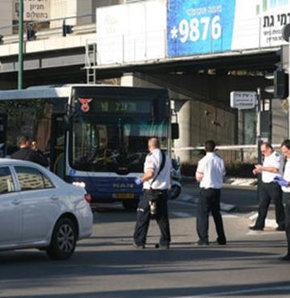 İsrail'de otobüse bıçaklı saldırı!
