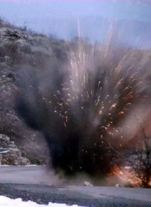 Silvan Baraj yoluna yürekleri ağza getiren bomba