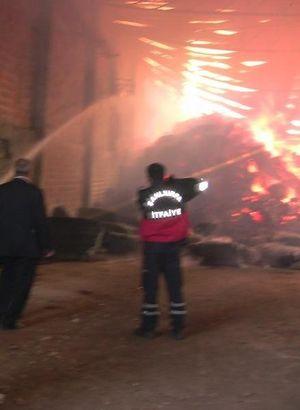 Şanlıurfa'da çırçır fabrikasında yangın