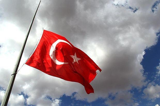 Menfur Saldırı Nedeniyle Türkiye'de Yas İlan Edildi