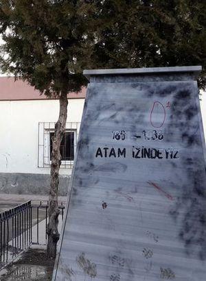 Ankara'da Atatürk büstü çalındı!