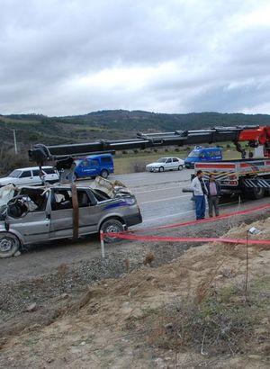 Denizli'de trafik kazası: 2 ölü, 4 yaralı