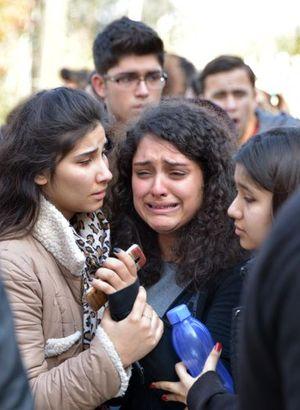 Ders ortasında yaşandı! Öğrenciler kriz geçirdi