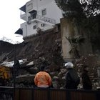 Bodrum'da istinat duvarı çöktü!