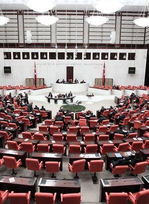 Ak Parti tek başkan, tek meclis için oy isteyecek