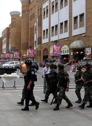Çin'den Uygurlara 'iletişim' kısıtlaması