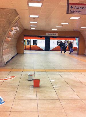 Metro sızdırıyor