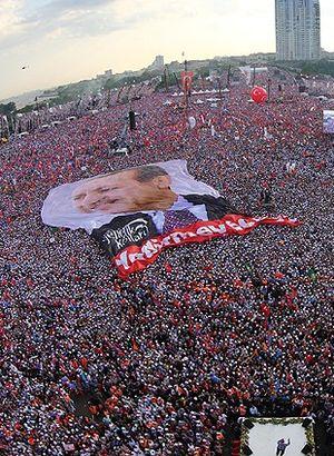 Erdoğan ve mitinge katılanlara hakarete ceza