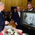 'Bozkurt işareti yapan Atatürk' şaşkınlığı